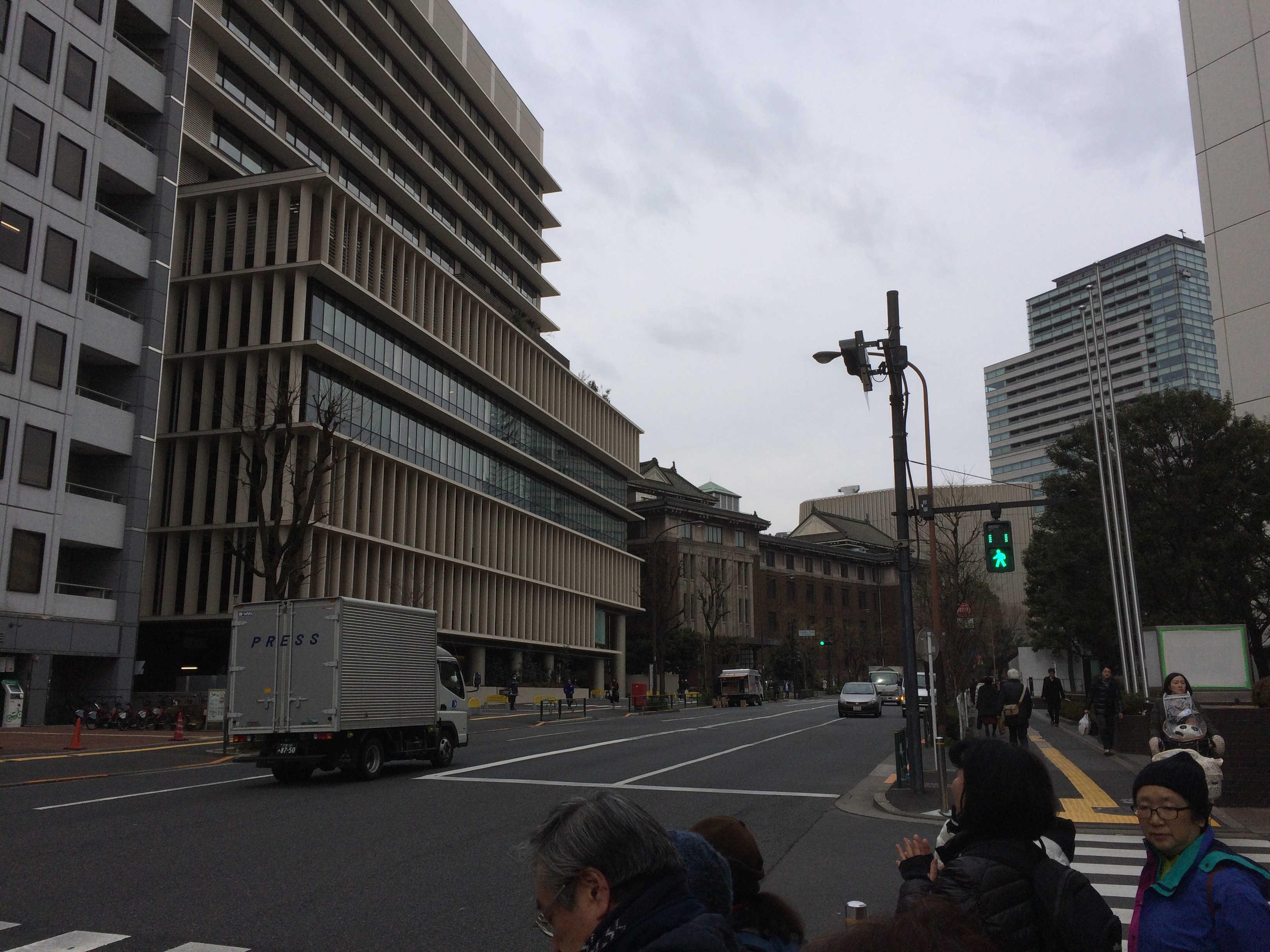 千代田区役所前