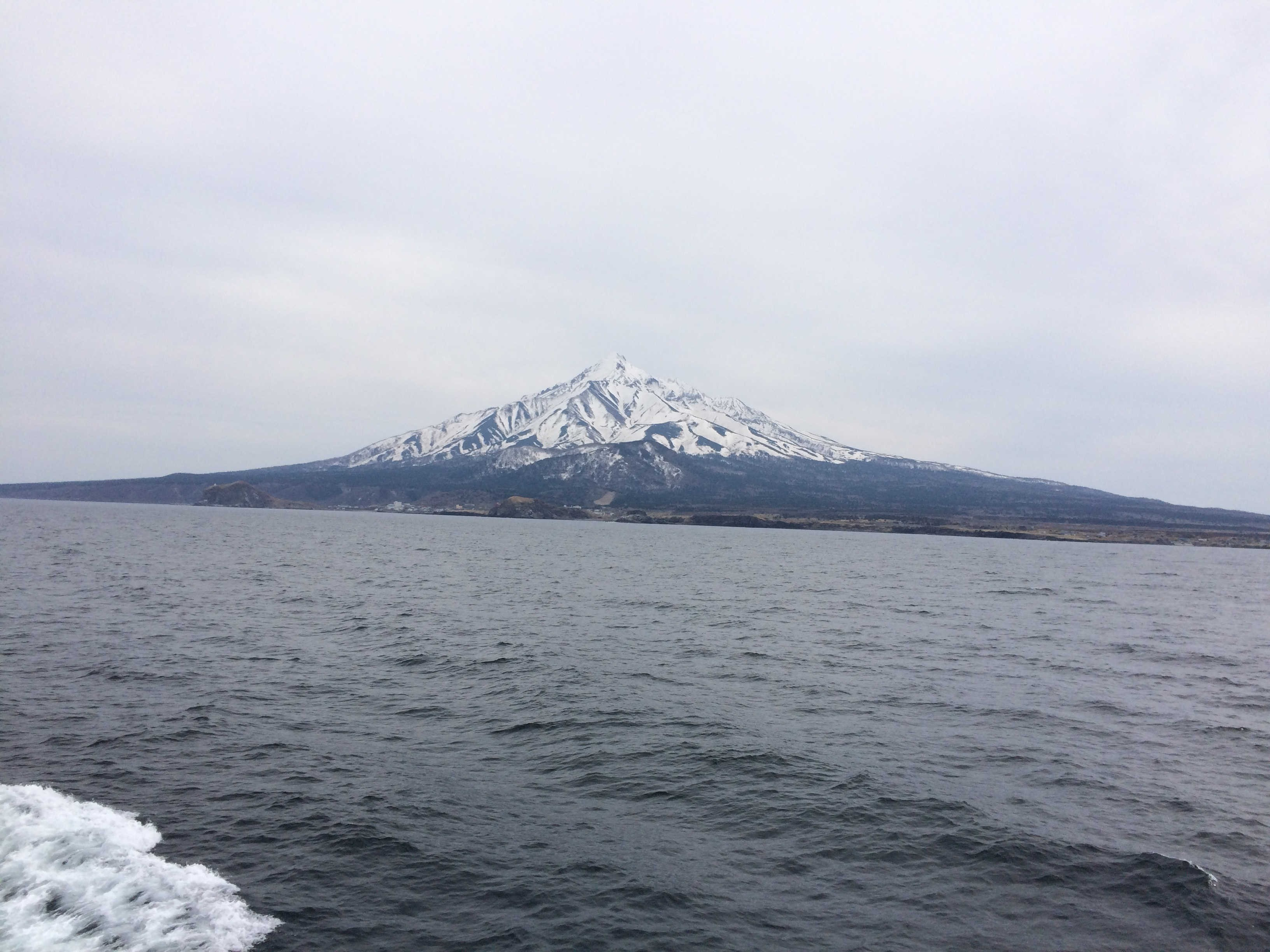 ハートランドフェリー(礼文島→利尻島)から利尻富士