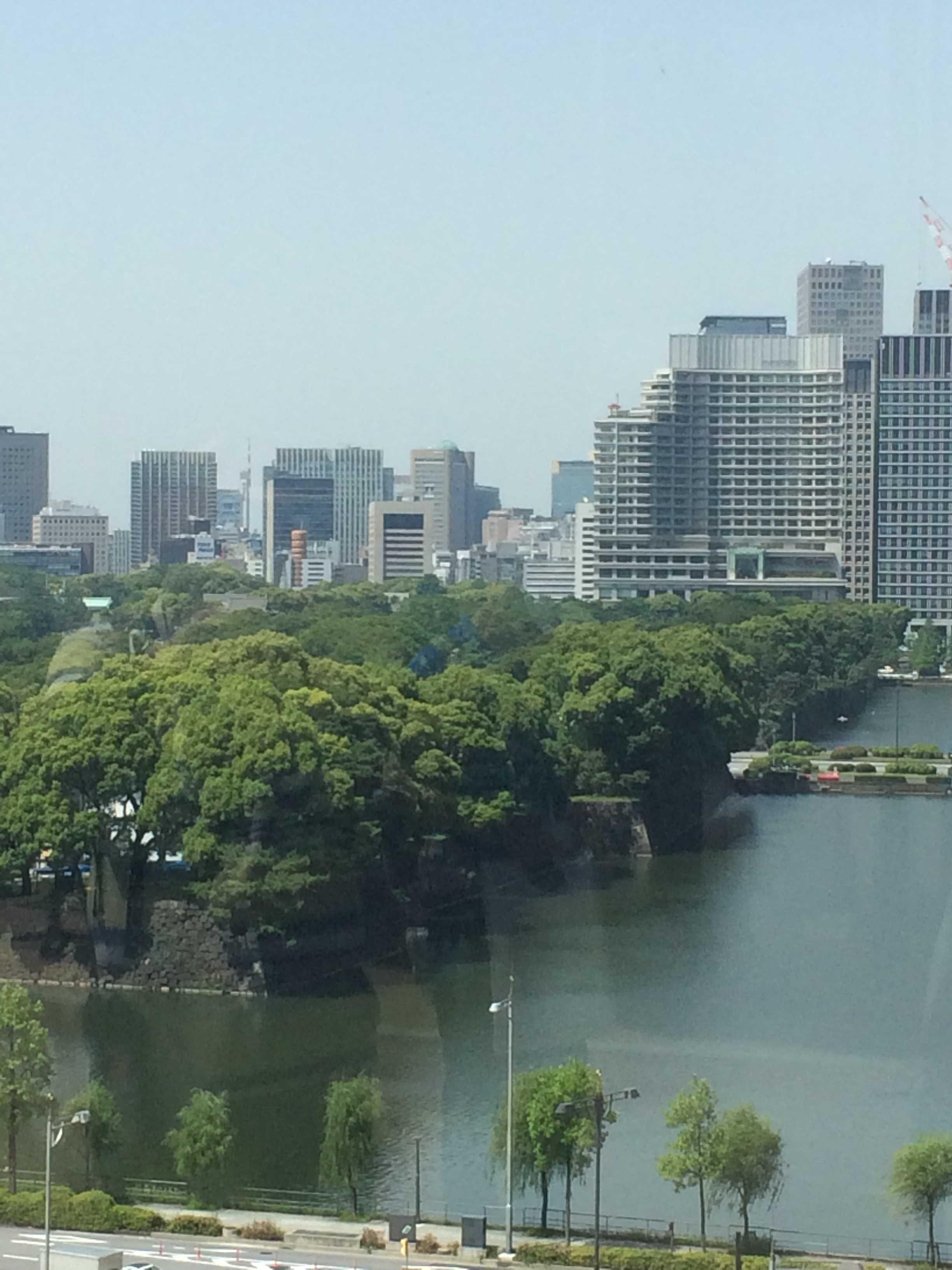 東京ミッドタウン日比谷から皇居外苑を望む