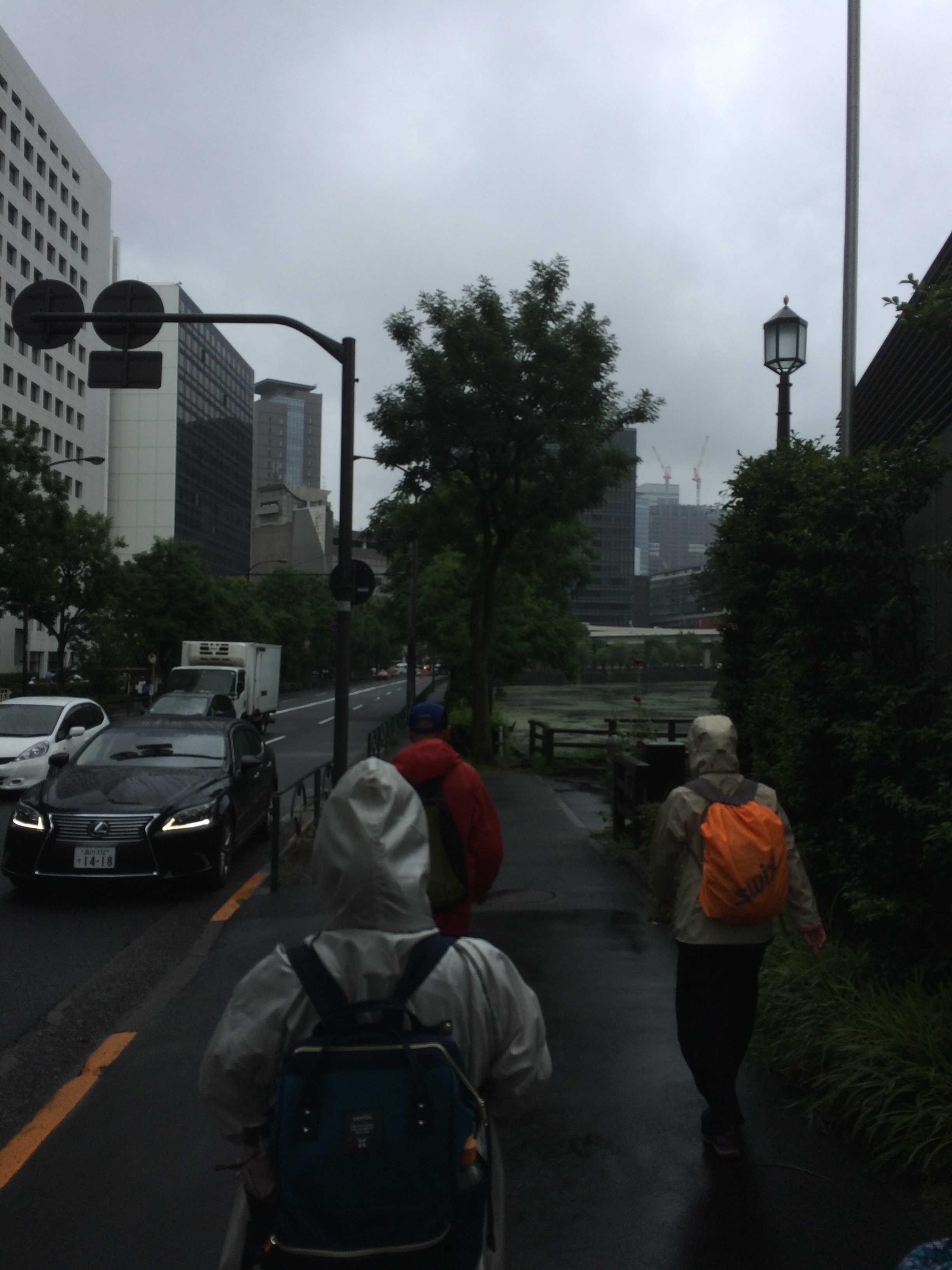 千代田区役所前歩道