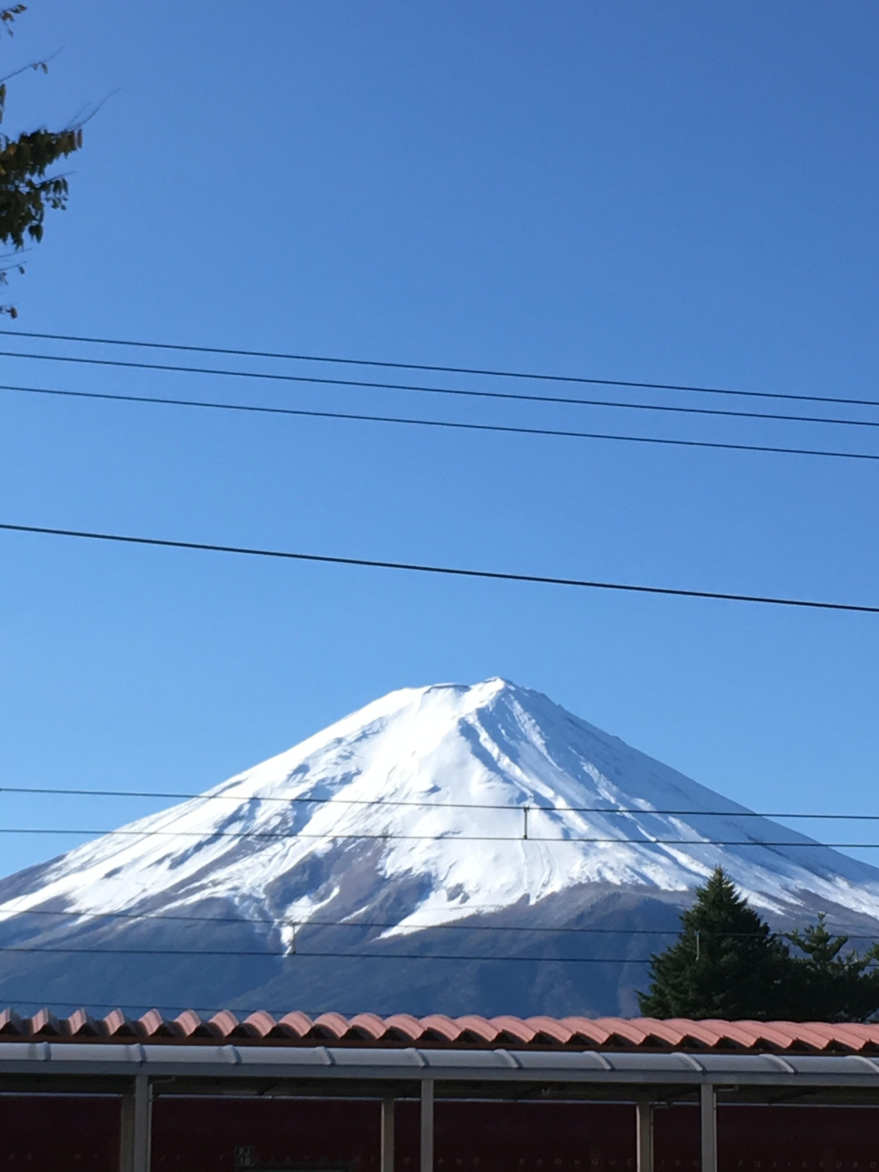 富士急行線河口湖駅から富士山を望む
