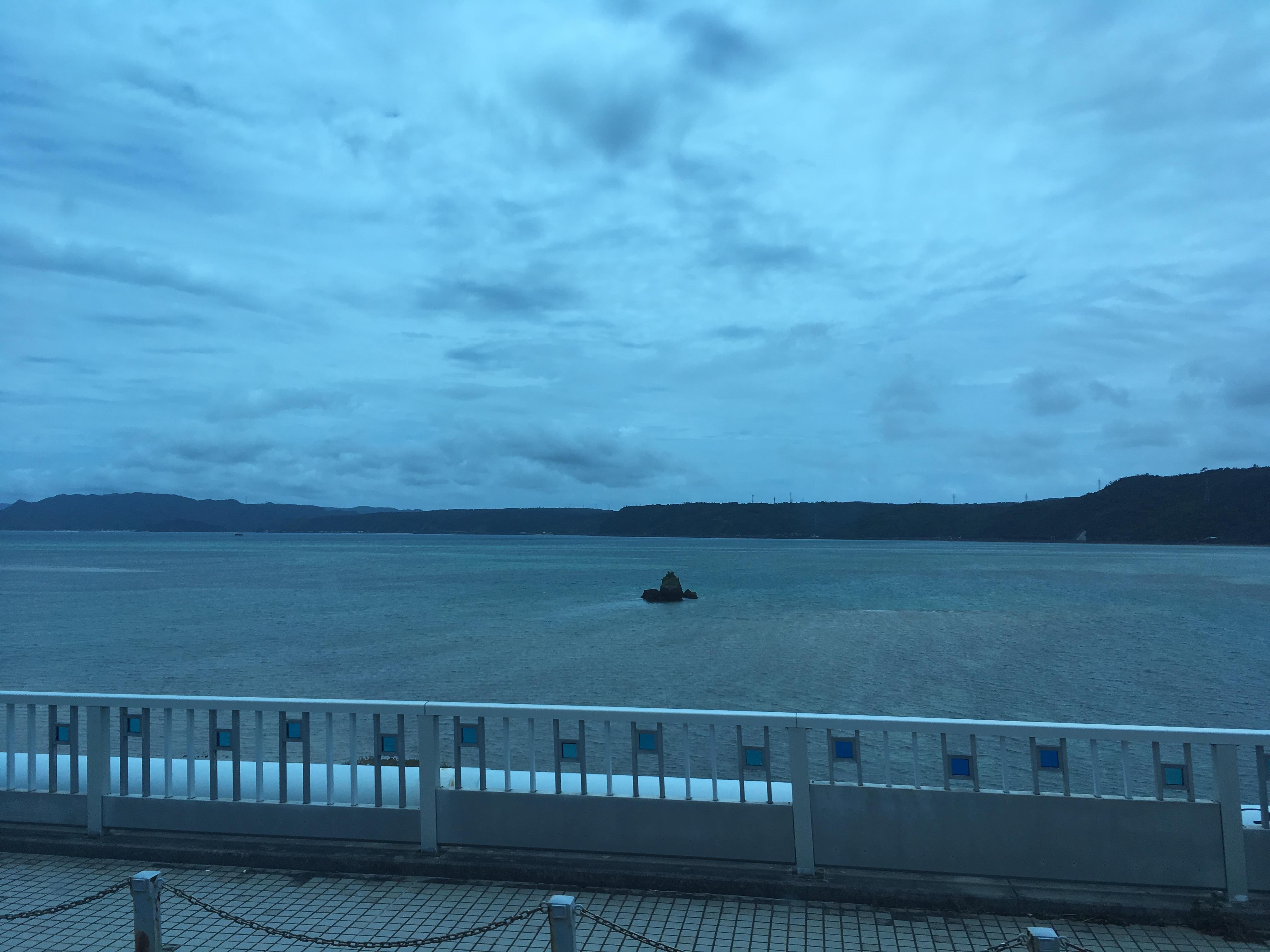 屋我地大橋(奥武島ビーチから屋我地ビーチ)