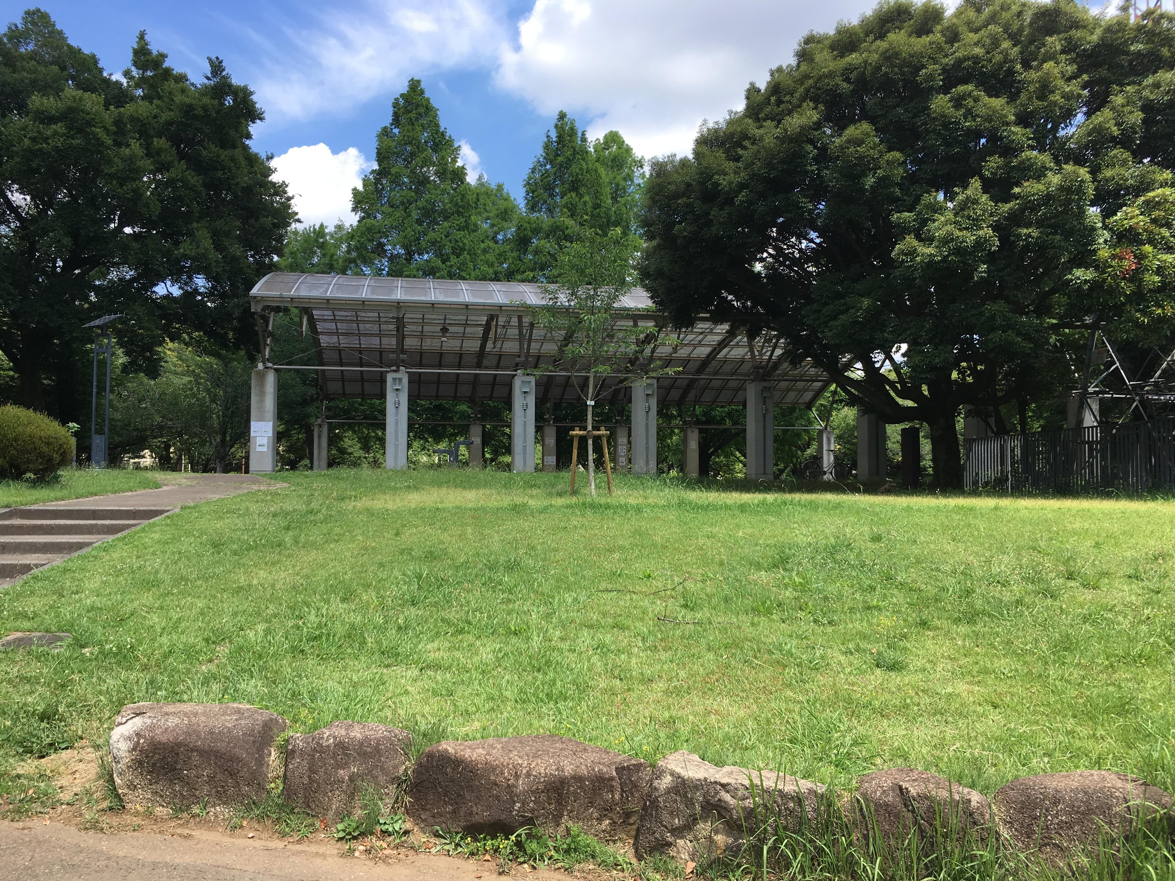 埼玉県営和光樹林公園休憩舎
