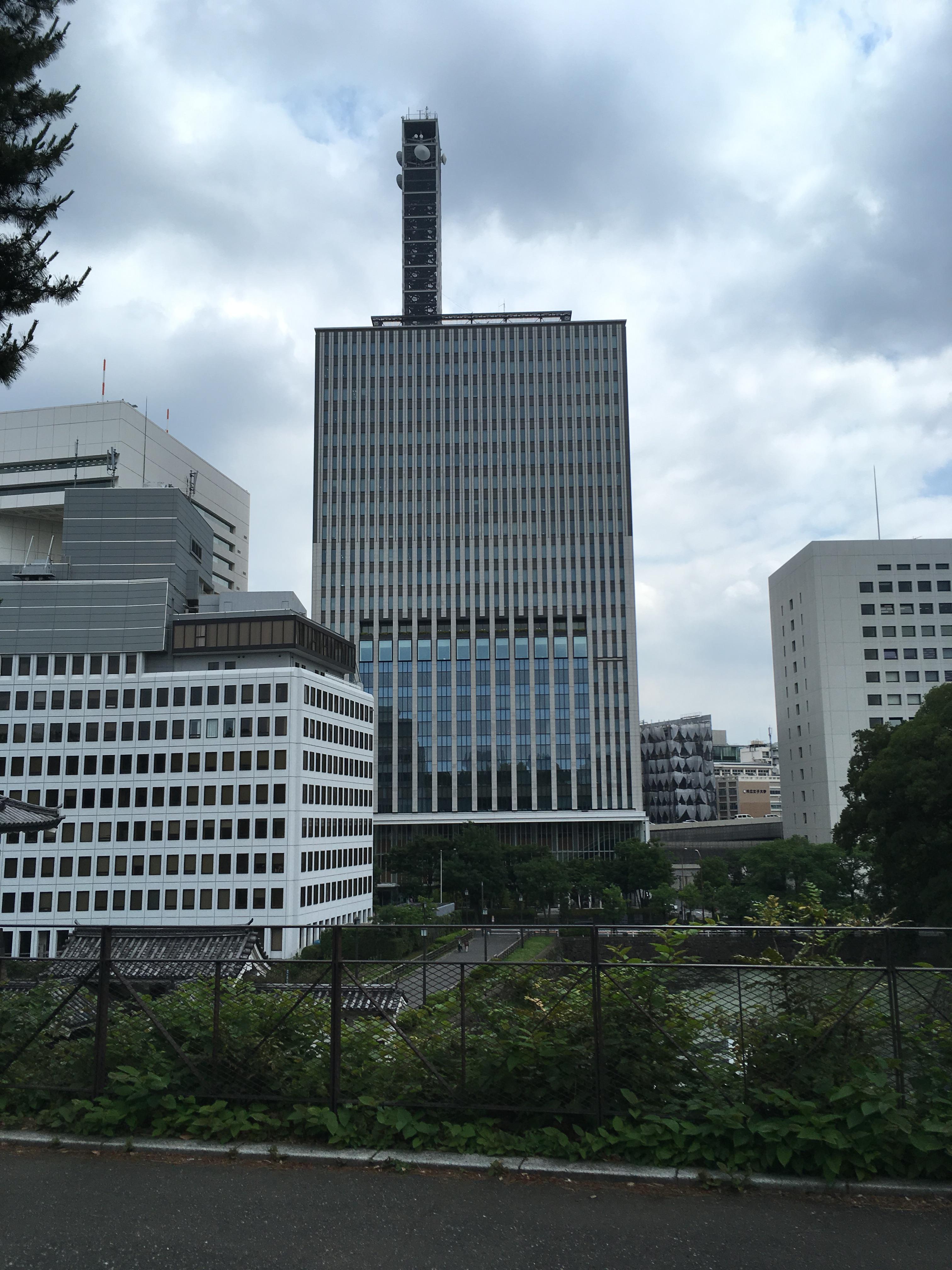清水門内階段(Toilets)から千代田区役所方面を望む