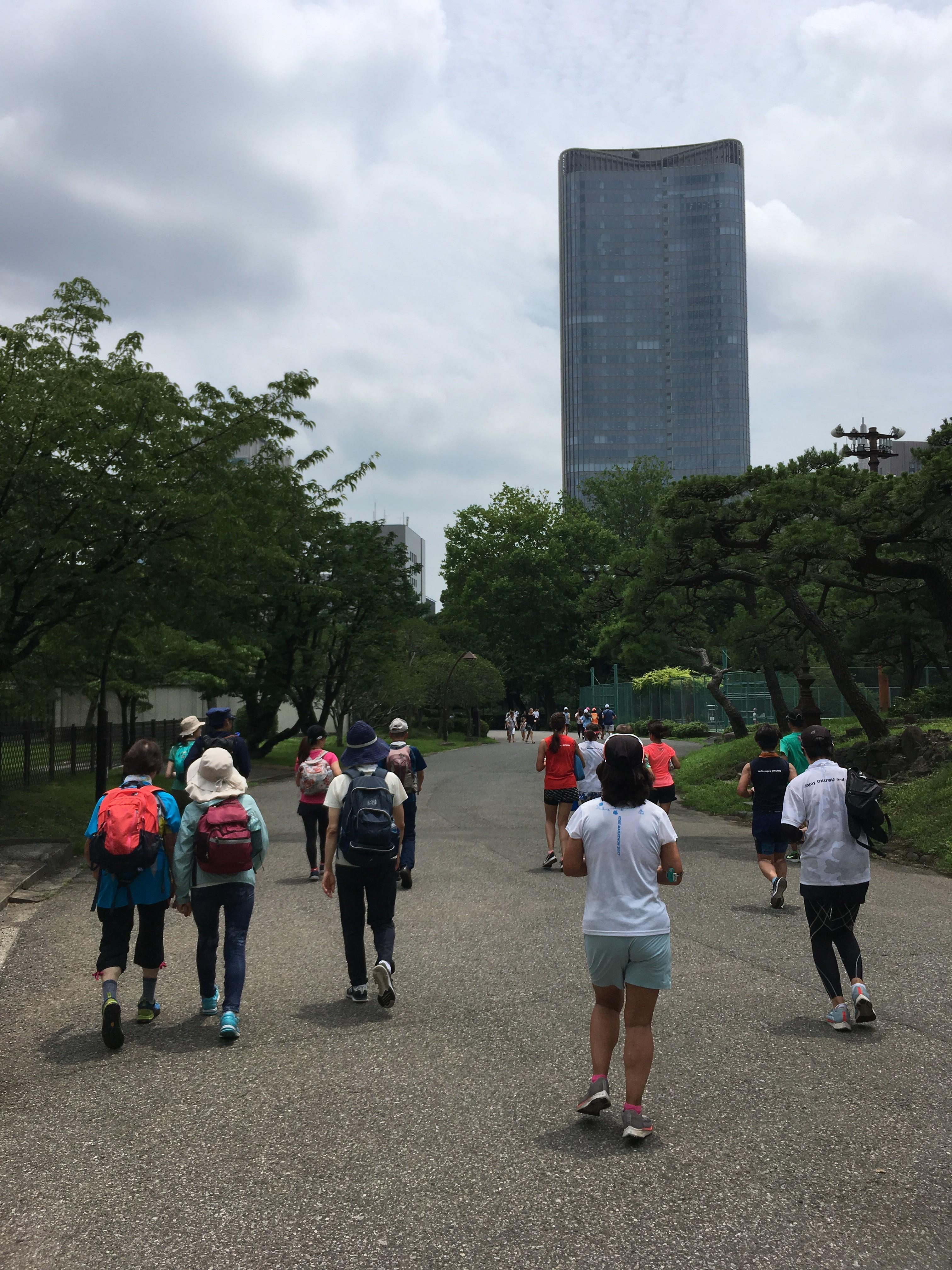 日比谷公園から東京ミッドタウン日比谷を望む