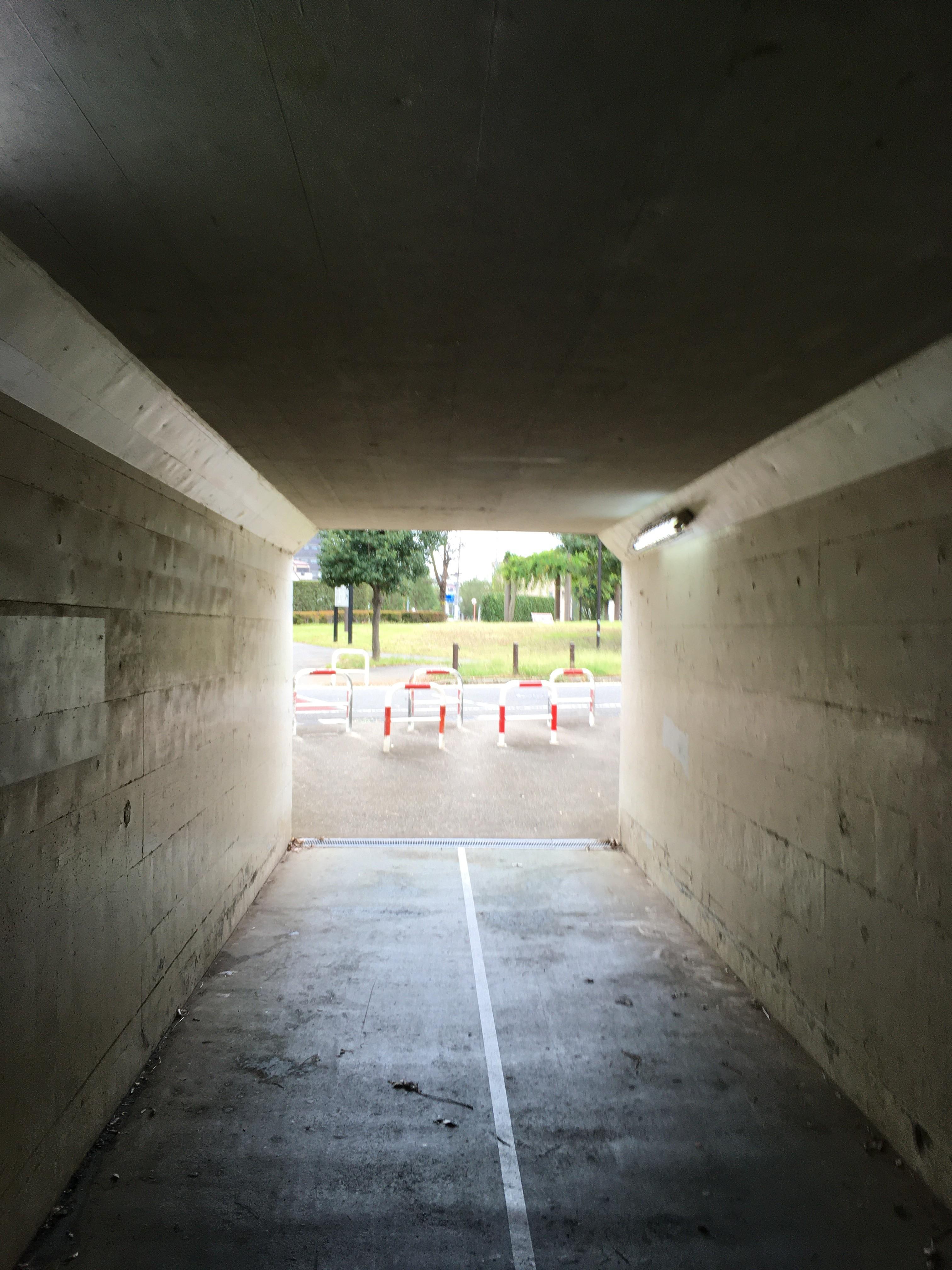 東武東上線高架下トンネル