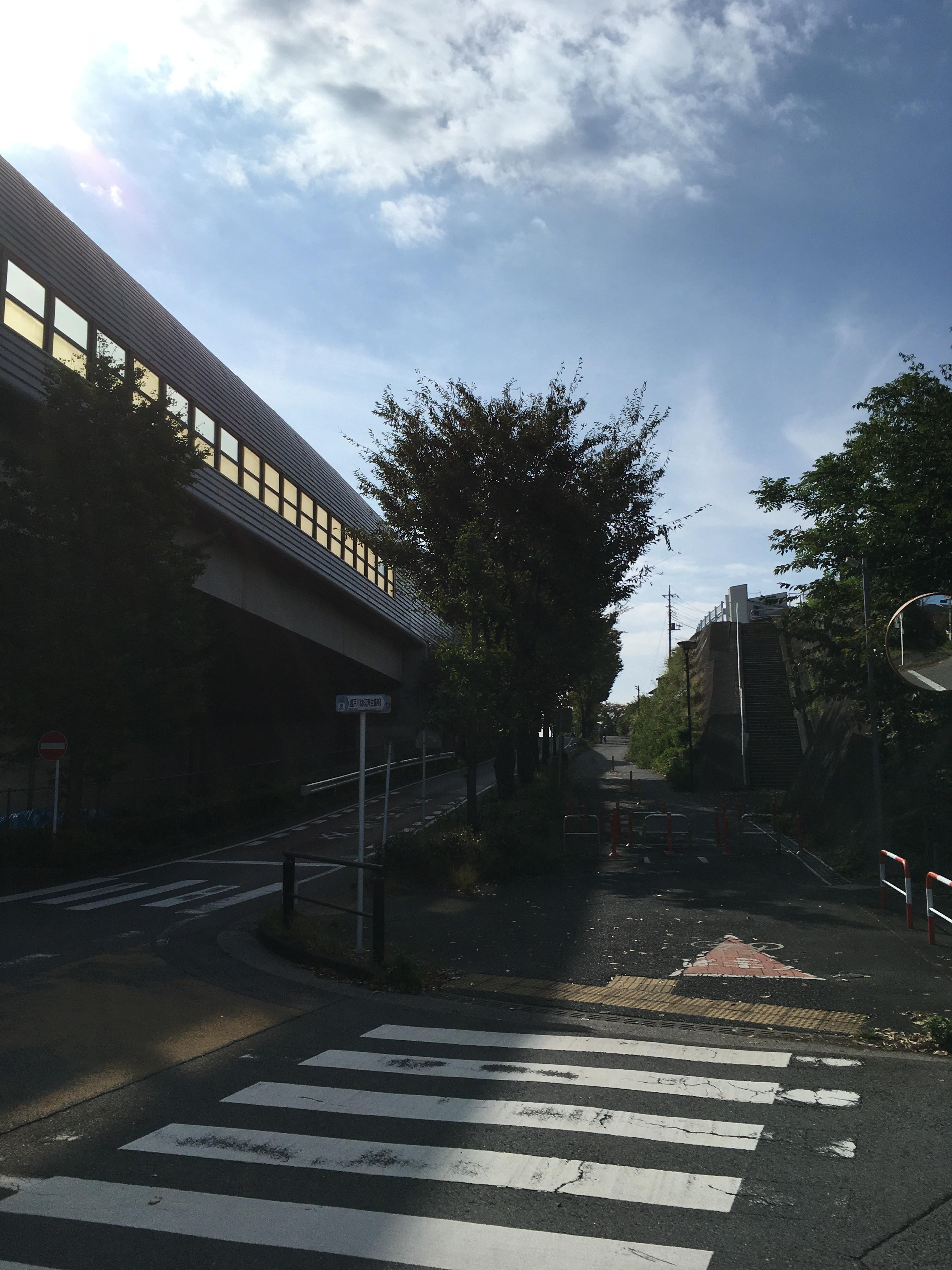 東京外環自動車道側道