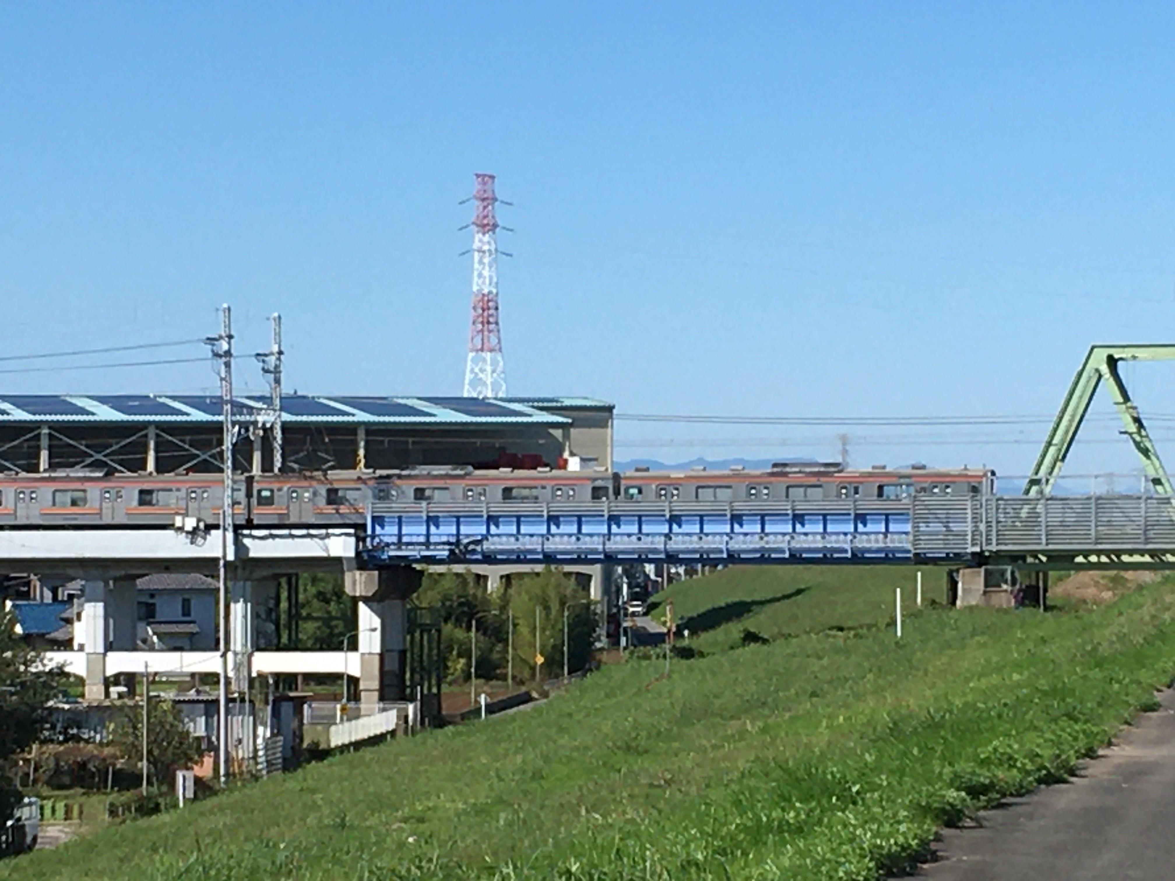 荒川右岸(堤防遊歩道)から武蔵野線