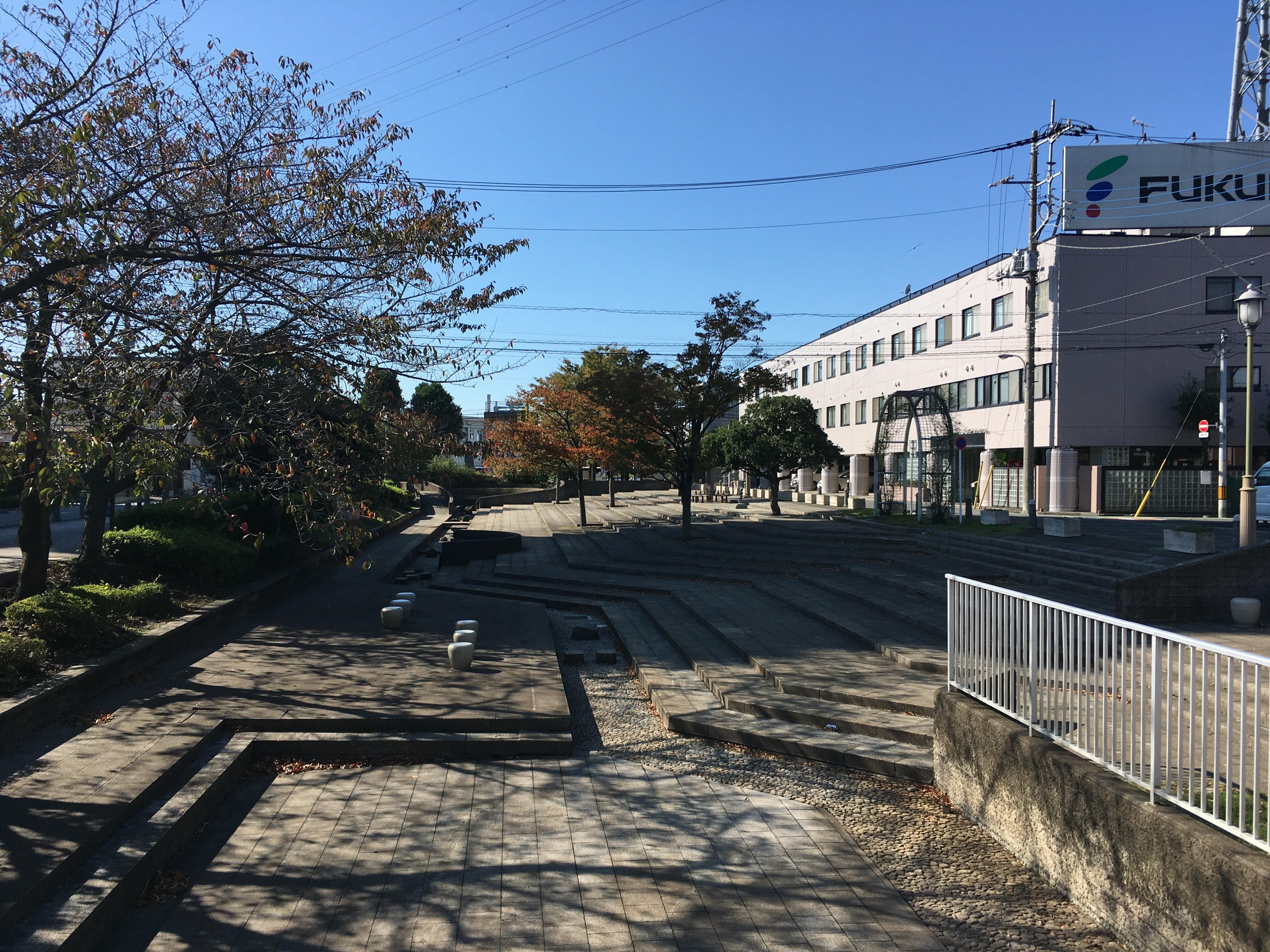 三代目戸田橋の親柱周辺